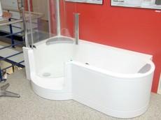 barrierefreies bad f r sicheres duschen und baden behindertengerechtes bauen. Black Bedroom Furniture Sets. Home Design Ideas